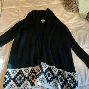 green and white pattern cardigan